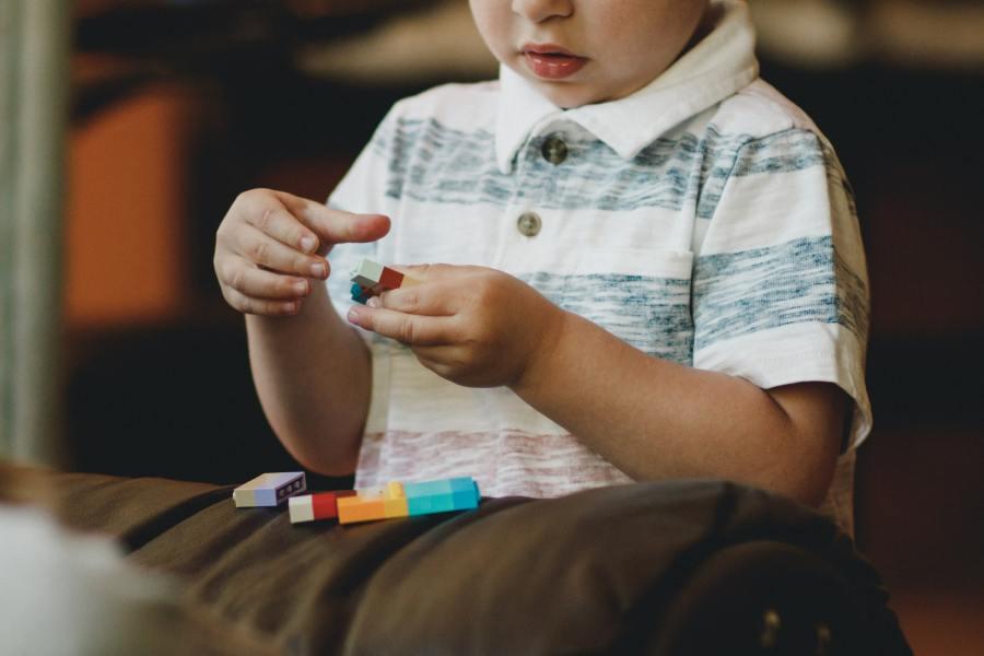 crianca-autismo-moda-fashionfy-tecnologia-inovacao